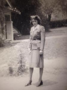 Ester Arias Sais, Pasadena, 1942-45.